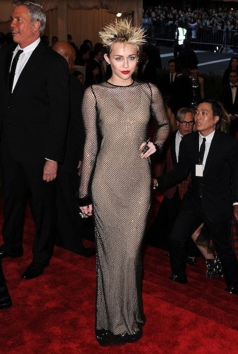 Crochet version Met Ball 2013 dans Crochet capture6